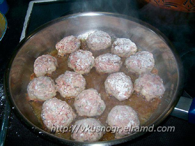 Жареные тефтельки на сковороде
