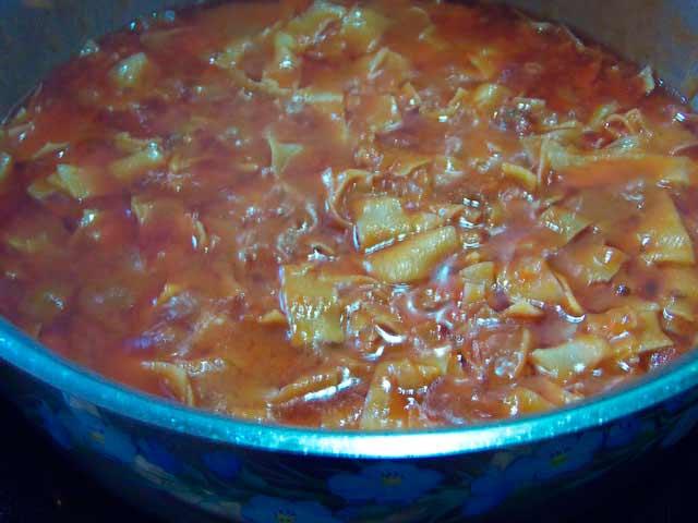 Готовить лапшу в соусе