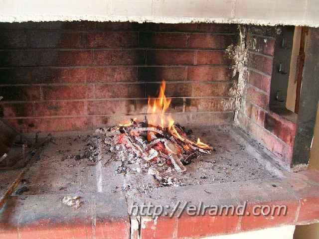 Приготовить угли для выпечки пирога