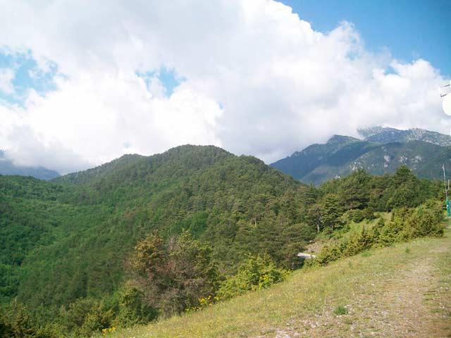 Вершина Олимпа в облаках
