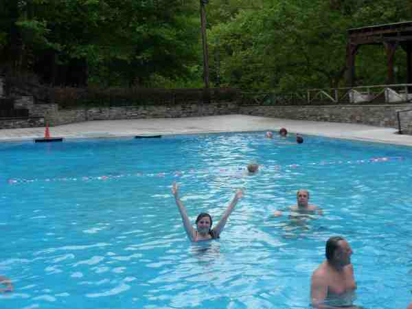 олимпийский заплыв в горячем бассейне!!