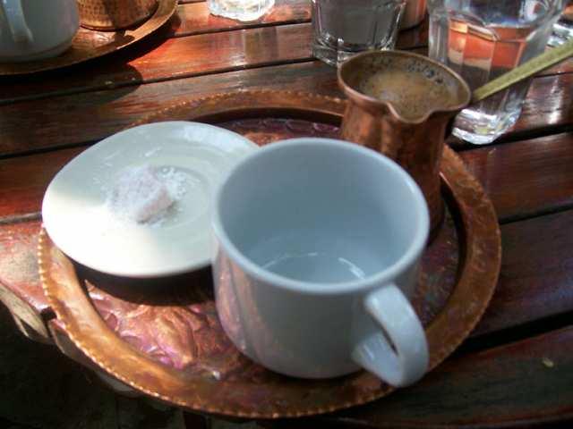 Как подают греческий кофе