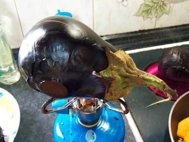 Как запечь баклажаны на огне