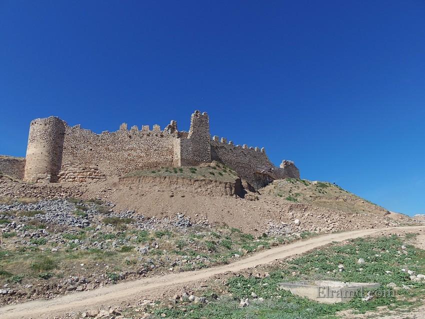 Стены крепости Лариса
