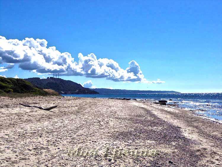 Широкие пляжи Посиди