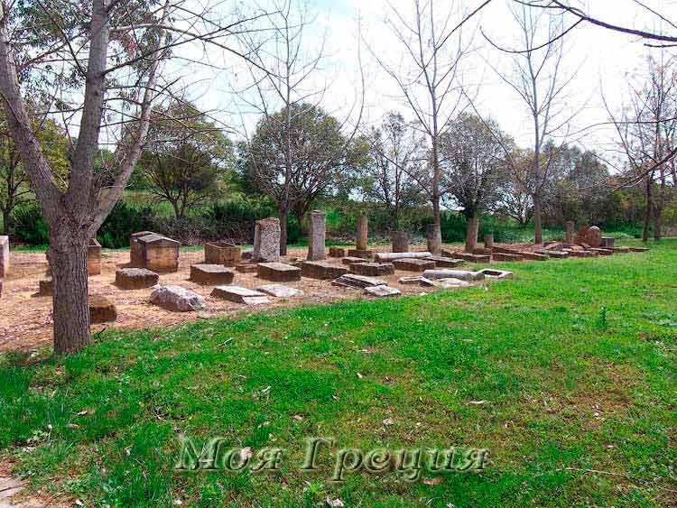 Олинфос надгробия