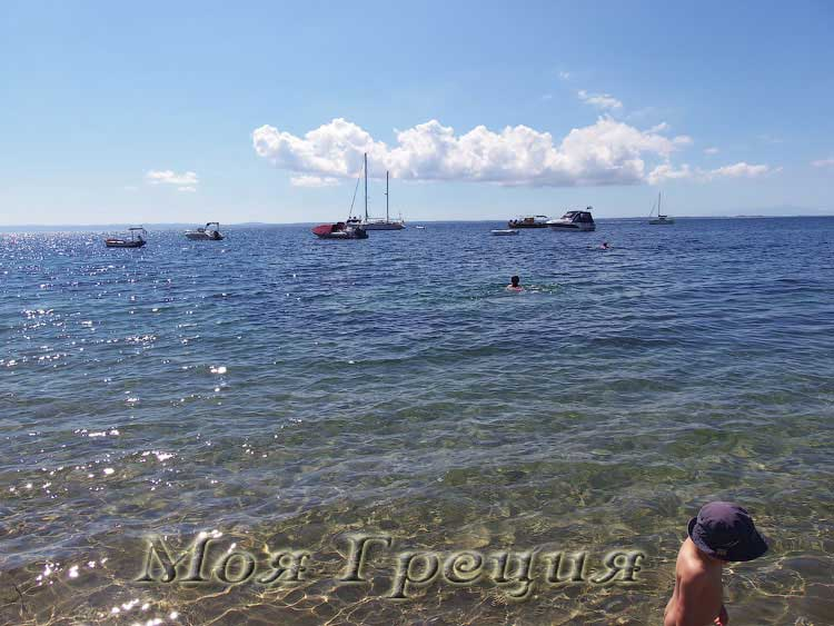 Пляж в Геракини, сентябрь
