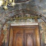 Резная дверь и роспись