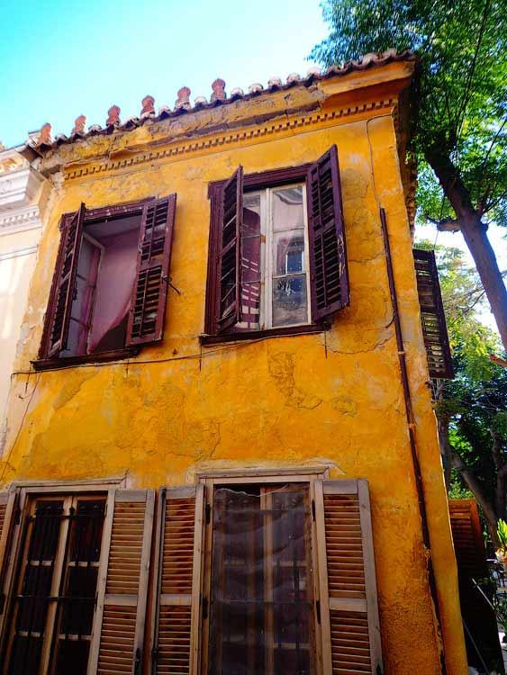 Заброшенный дом в Афинах