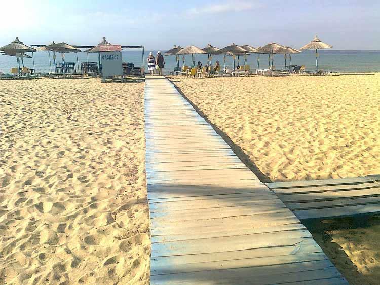 Пляж в Неа Муданье, сентябрь
