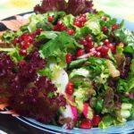 Потрясающий витаминный салат с руколой и гранатом
