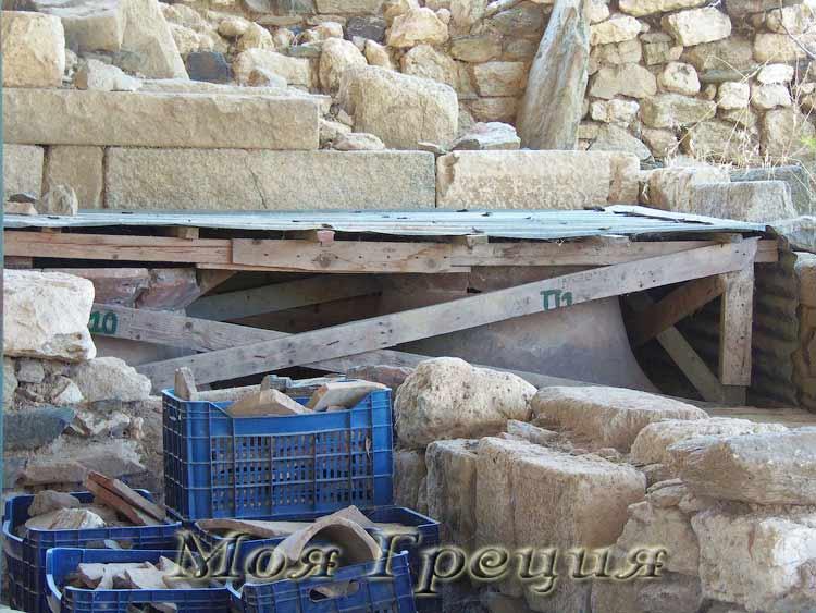 Акантос, раскопки
