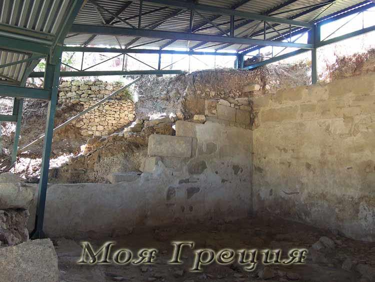 Акантос, стены древних домов