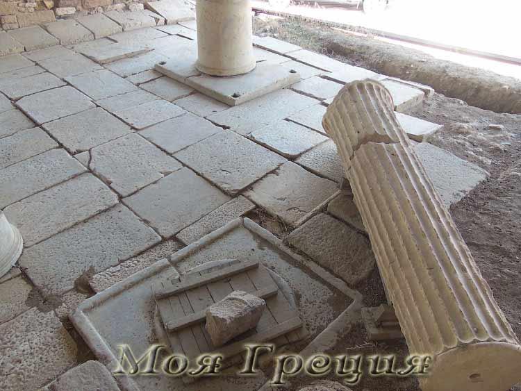 Раскопки в Акантосе
