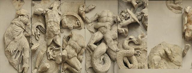 Гигантомахия: античный барельеф