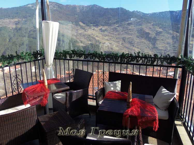 """Кафе """"Пепе"""" - балкон с видом на горы"""
