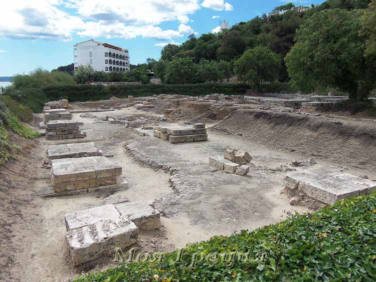 Храм Зевса-Аммона, Калифея