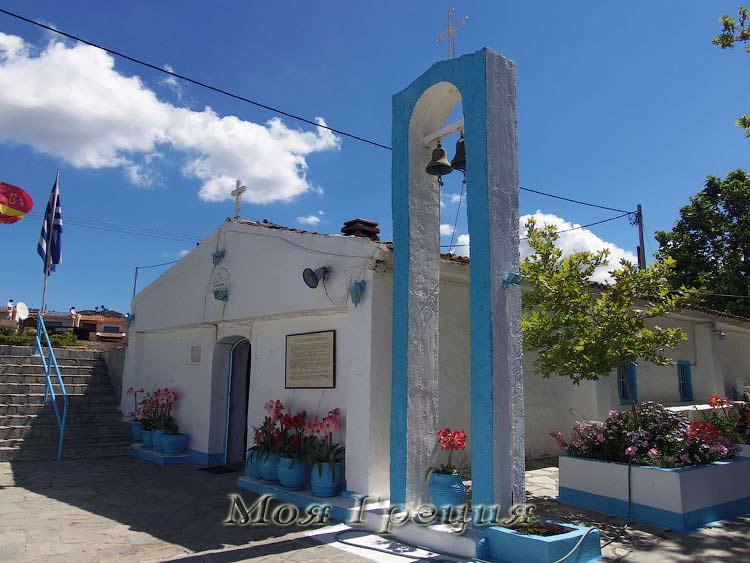 Храм Панагии Фанеромени в мае