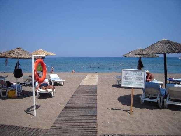 Голубые флаги на пляжах Греции