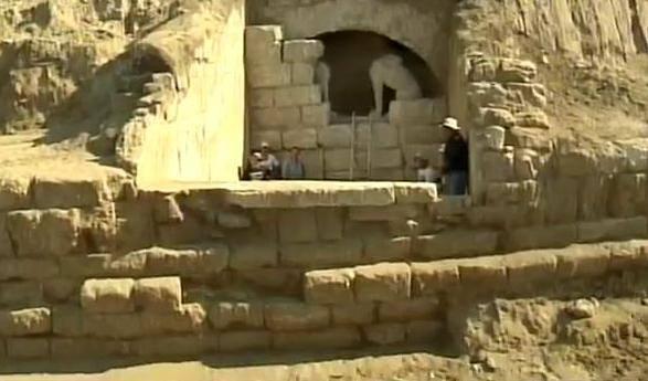 Вход в гробницу Амфиполя