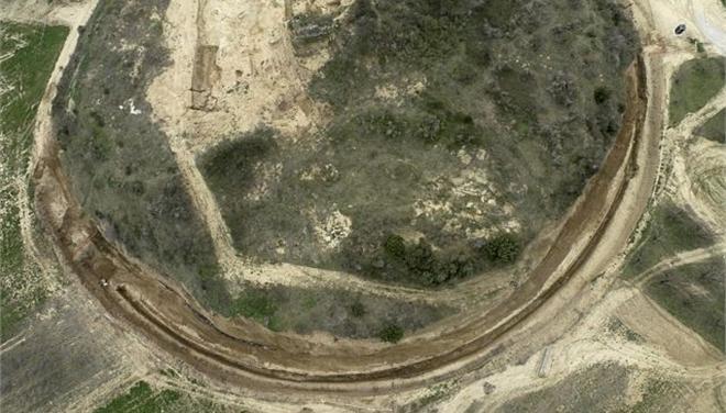 Гробница в Амфиполе, вид сверху