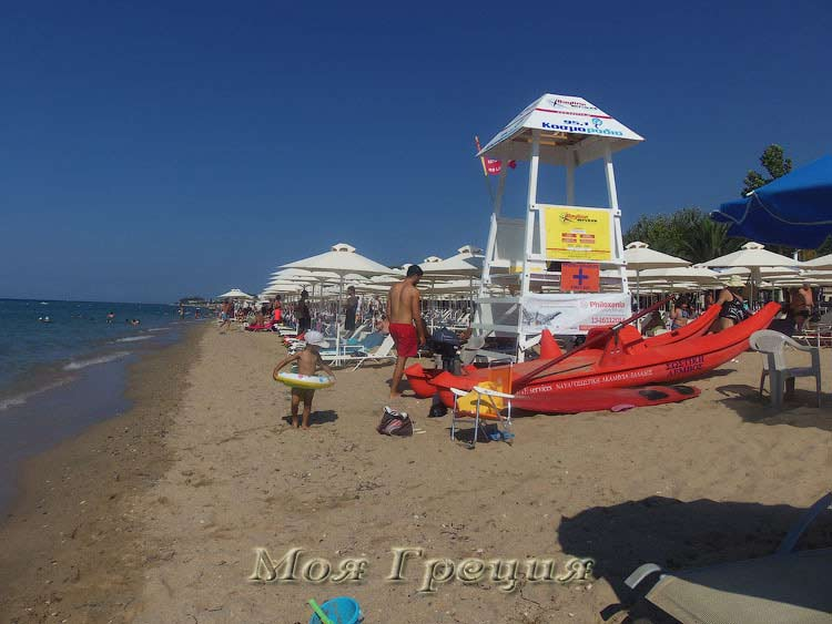 Спасательная вышка на пляже во Флогите