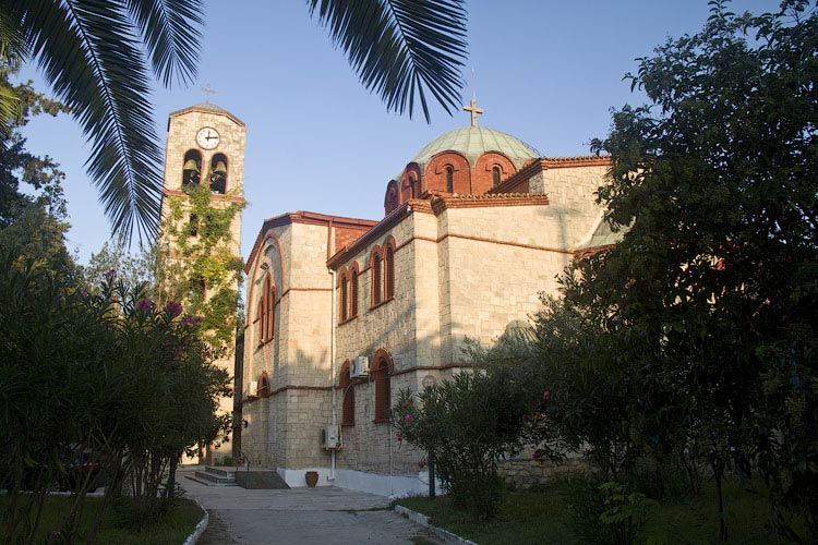 Храм в Пефкохори