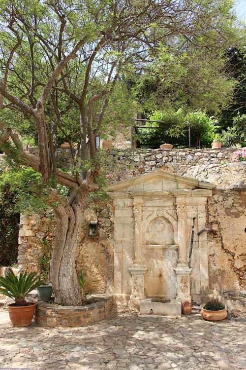 Источник в монастыре Восаку
