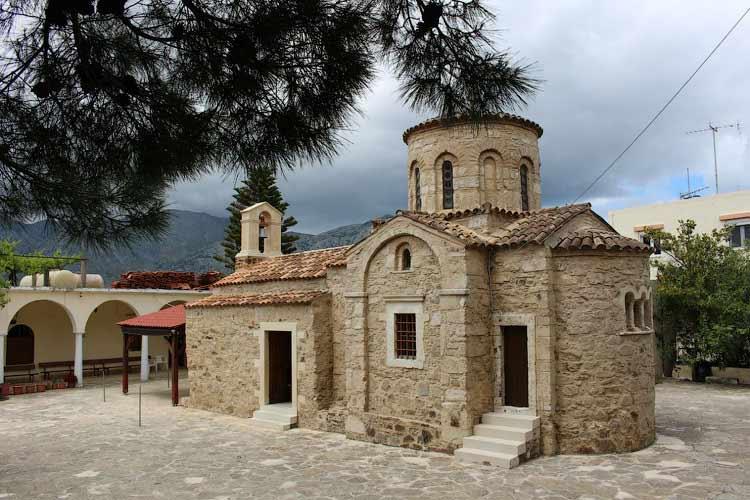Древняя церковь в монастыре Панагии Антифонитрии
