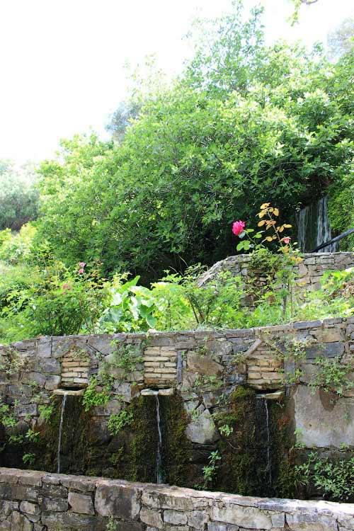 Аргируполи славится своими родниками и водопадами