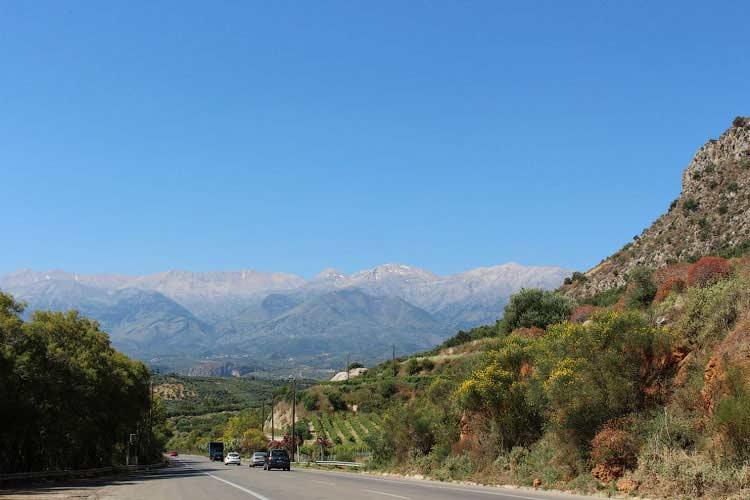 Трасса Ретимно - Ханья, вид на горы