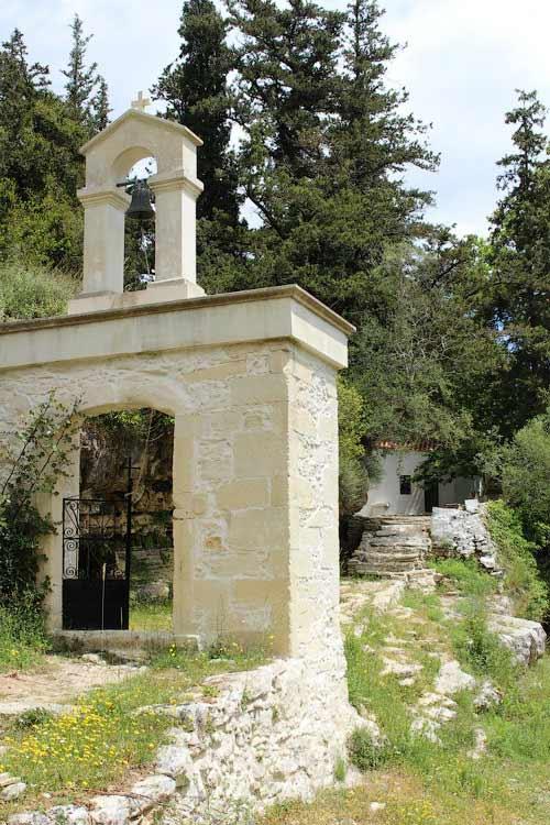 Возле церкви Пяти Святых Дев, Крит