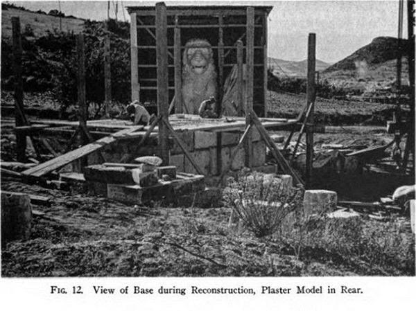 Собирают скульптуру Амфипольского льва