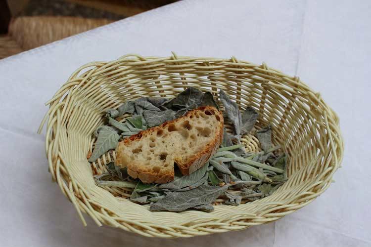Хлебушек на ароматных травах
