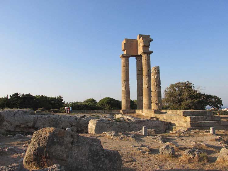 Акрополь Родоса и его колонны