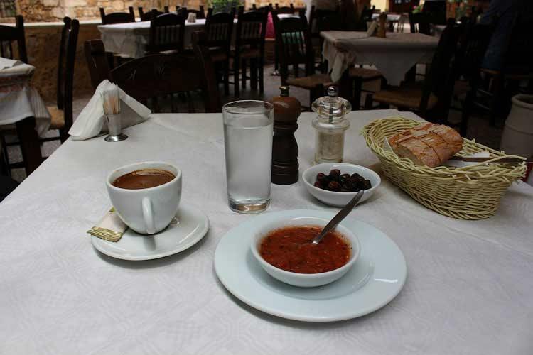 """таверна """"Семирамис"""" , Ханья, мезе и греческий кофе"""