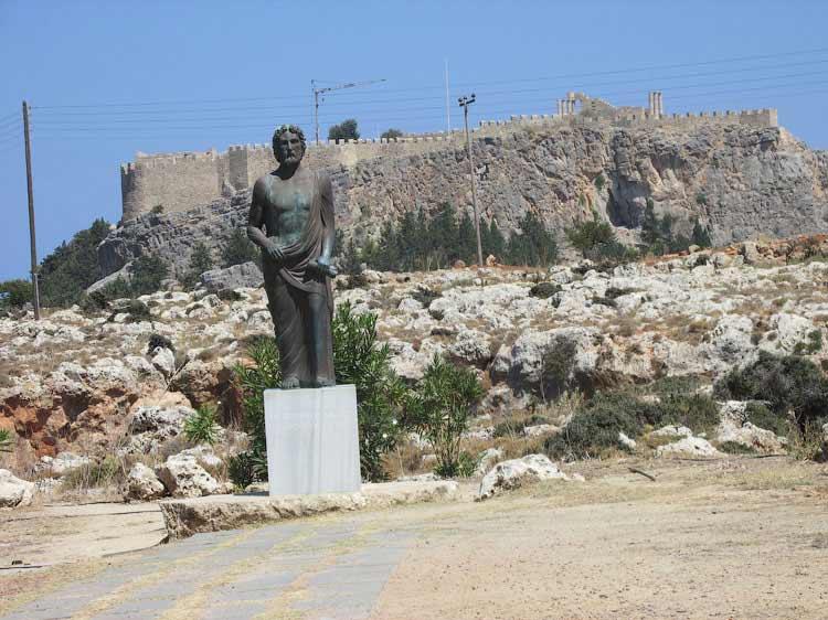 Памятник Клеовулу, Линдос
