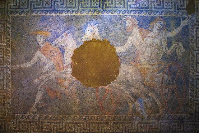 Похищение Персефоны - мозаика в гробнице Амфиполя