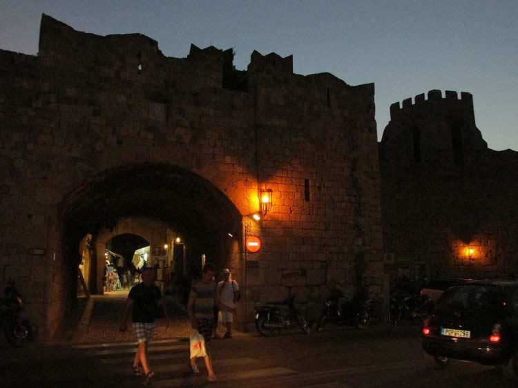 Старый Город вечером, Родос