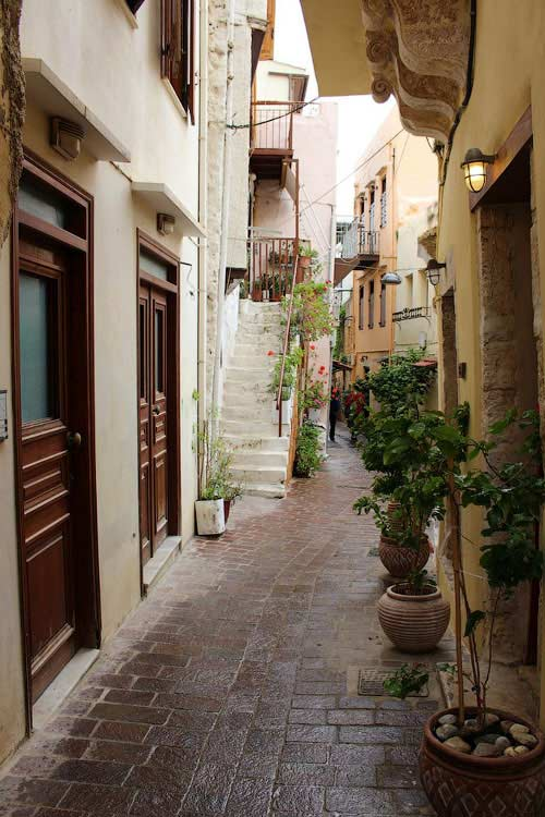 Улочка от венецианской гавани, Ханья