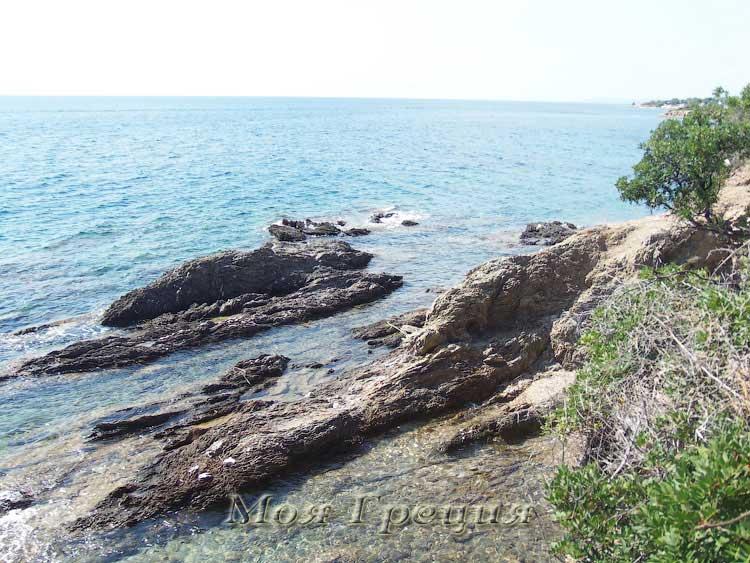 Слоистые скалы Лагомандры