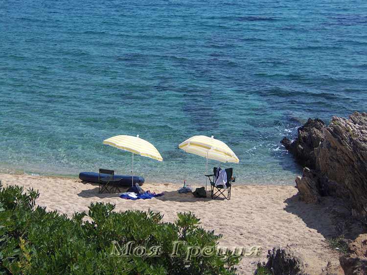 Пляж Лагомандра, Халкидики