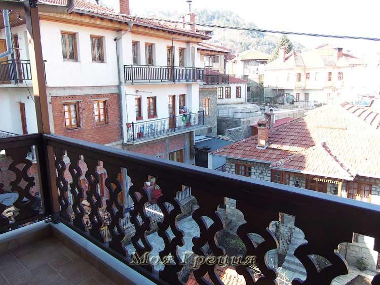 Вид с балкона на Мецово