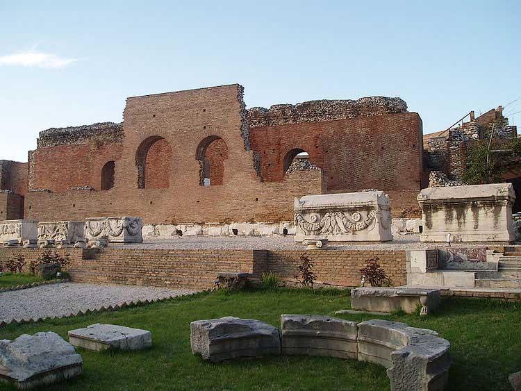 Древний Одеон, Патры