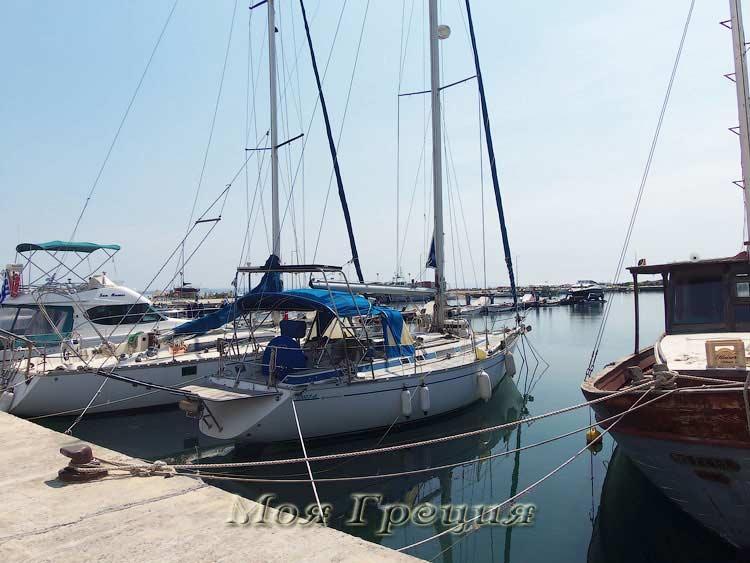 Стоянка катеров и яхт, Неа Муданья