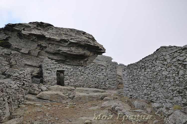 Дома Драконов на вершине Охи
