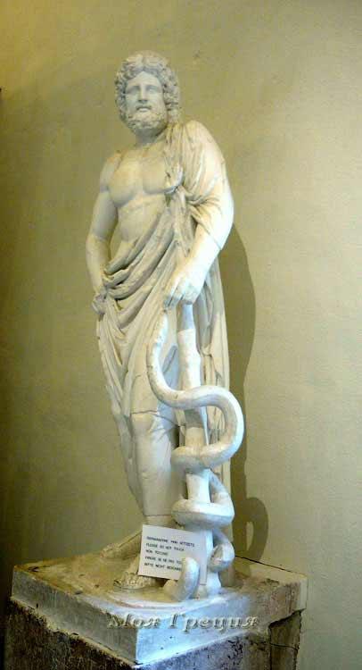 Статуя Асклепия в музее Эпидавра