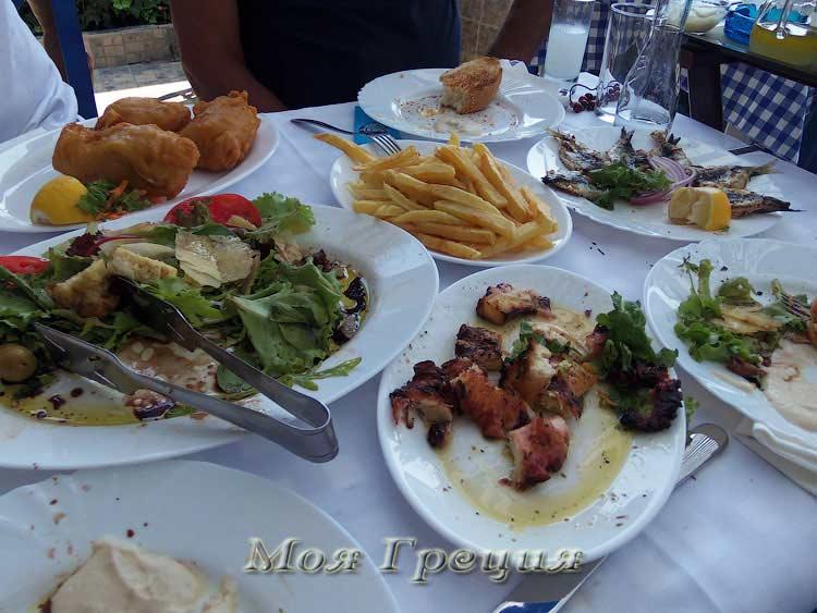 Обед в таверне Псарас, Порто Куфо
