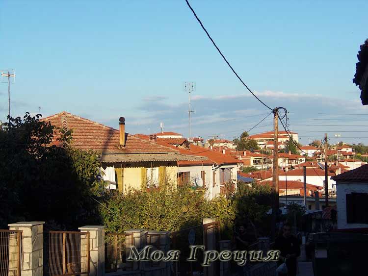 Панорамный вид на Агиос Николаос от храма