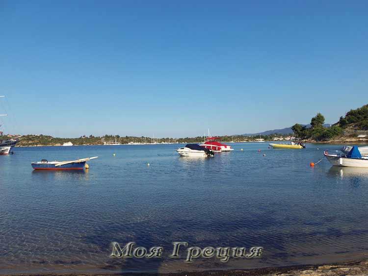 Лодки в лимане Ормос Панагиас